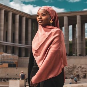 Bonsoir la family 🤍⠀⠀⠀⠀⠀⠀⠀⠀⠀ ⠀⠀⠀⠀⠀⠀⠀⠀⠀ J'espère sincèrement que vous allez bien !⠀⠀⠀⠀⠀⠀⠀⠀⠀ Encore un long moment passé sans rien publier ici mais le travail continue en backstage et on vous prépare une collection unique !⠀⠀⠀⠀⠀⠀⠀⠀⠀ 2020 n'a pas fini de nous mettre des bâtons dans les roues mais nous ne cesserons de les briser pour continuer d'avancer 💪⠀⠀⠀⠀⠀⠀⠀⠀⠀ ⠀⠀⠀⠀⠀⠀⠀⠀⠀ En attendant nos hijab best sellers sont toujours en ligne pour vous faire briller 🧕⠀⠀⠀⠀⠀⠀⠀⠀⠀ ⠀⠀⠀⠀⠀⠀⠀⠀⠀ Je vous envoie plein de force et de bonnes ondes pour vos projets et défis du quotidien !